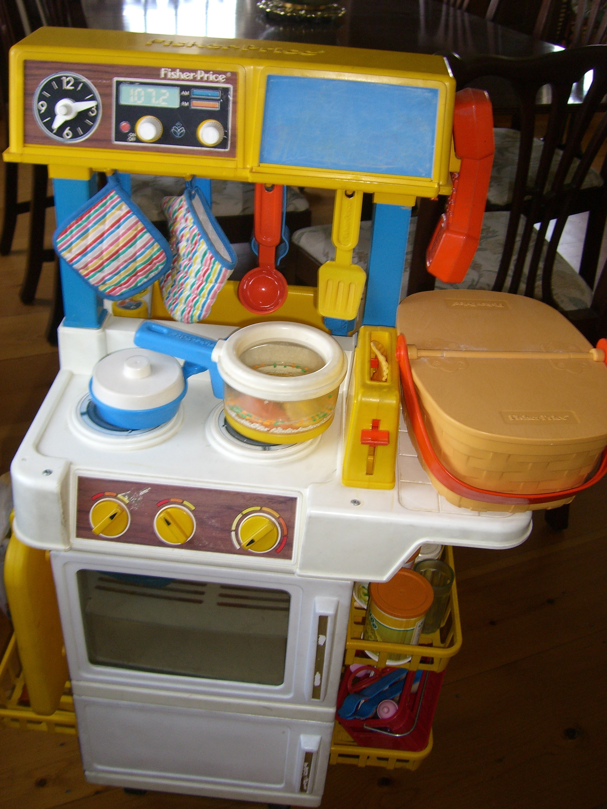 Another Pic Of Hat My Actual Fisher Price Kitchen Set Looked Like
